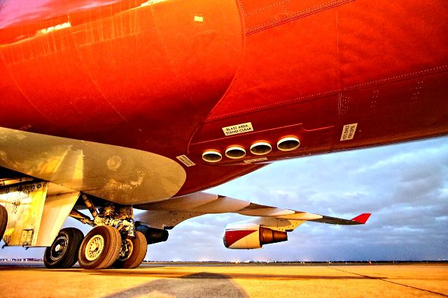 Global Super Tanker Auslaesse Christopher Ebdon